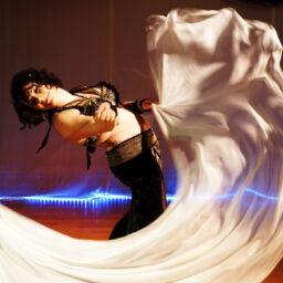 Shantala ma Rielle - Künstlerin für Fusion Dance - www.tanzundfreiraum.de / Foto Ute Penk